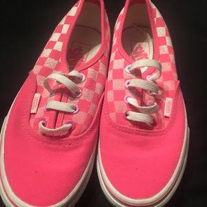 Hot pink checkered Vans men's 4.5 women's 6